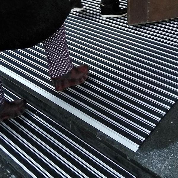 Придверная грязезащитная решетка Респект Щетка + Резина