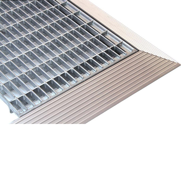 Придверная грязезащитная стальная решетка 390х590х20 мм