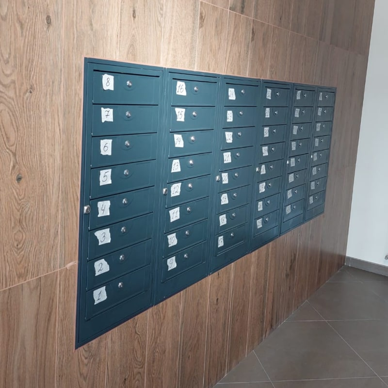 Почтовый ящик в подъезд ПЯ-8АВ секционный RAL 7035