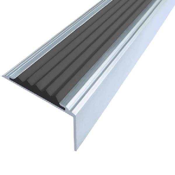 Противоскользящий алюминиевый самоклеющийся угол-порог Стандарт 38 мм 2,7 м черный