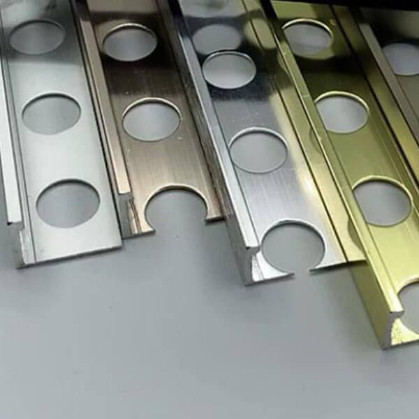 Алюминиевый профиль для L-образной окантовки LТ-10-КМ коньяк/матовый