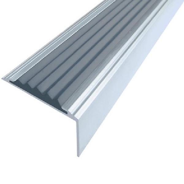 Противоскользящий алюминиевый самоклеющийся угол-порог Стандарт 38 мм 1,8 м серый
