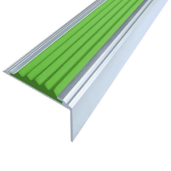 Противоскользящий алюминиевый самоклеющийся угол-порог Стандарт 38 мм 1,8 м зеленый