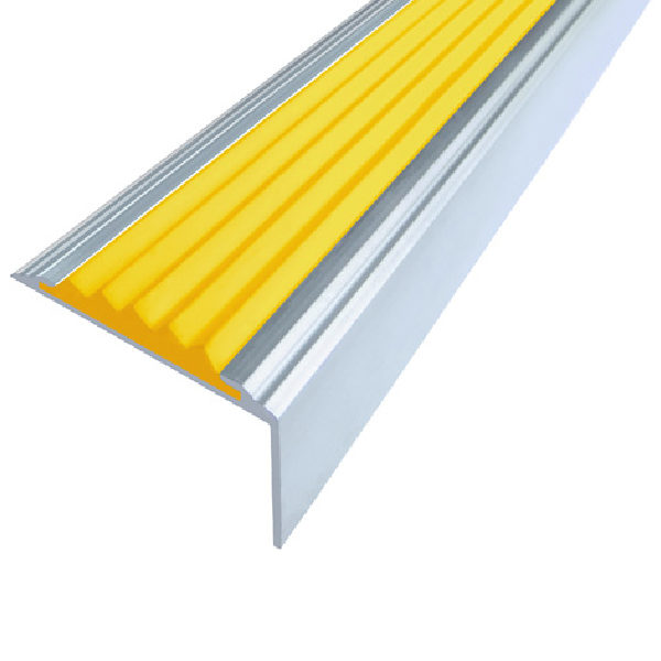 Противоскользящий алюминиевый угол Стандарт 1,0 м 38 мм/5,5 мм/20 мм желтый