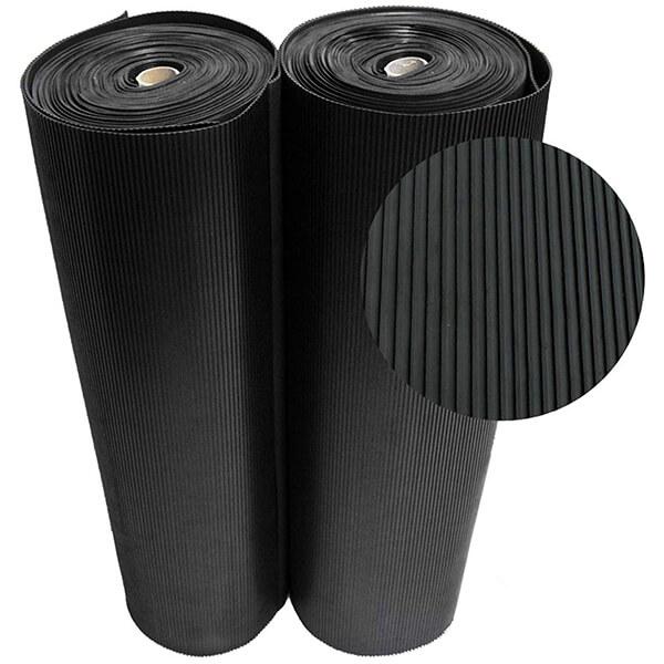Рулонное резиновое покрытие 4мм, 1.5 м, полосы, черный