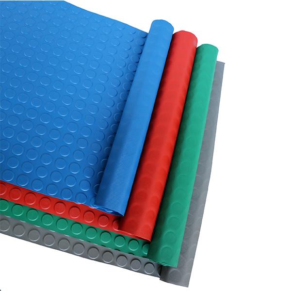Рулонное резиновое покрытие 4мм, 1.2 м, пяточек, цветной