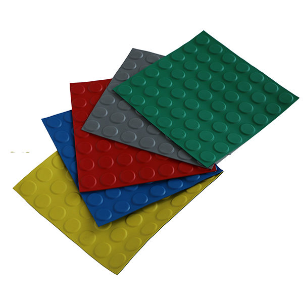 Рулонное резиновое покрытие 4мм, 1м, пяточек, цветной