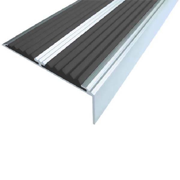 Противоскользящий алюминиевый самоклеющийся угол-порог с двумя вставками 68/5.5/22.5, 2,0 м черный
