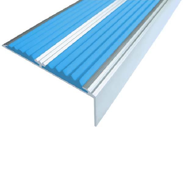 Противоскользящий алюминиевый самоклеющийся угол-порог с двумя вставками 68/5.5/22.5, 2,0 м голубой