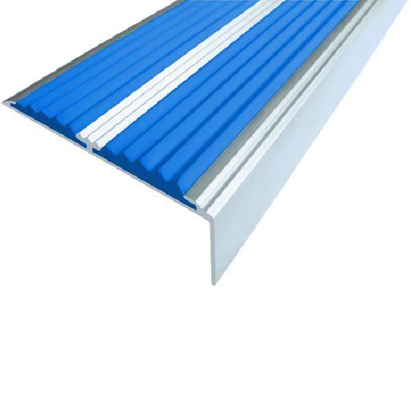 Противоскользящий алюминиевый самоклеющийся угол-порог с двумя вставками 68/5.5/22.5, 1,33 м синий