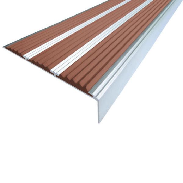 Противоскользящий алюминиевый угол с тремя вставками 98 мм/5,6 мм/22,4 мм 3,0 м коричневый