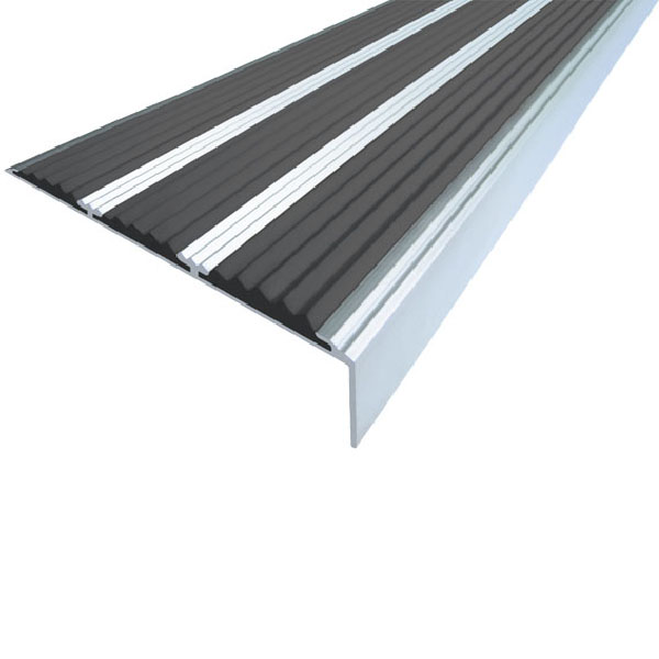 Противоскользящий алюминиевый самоклеющийся угол с тремя вставками 98 мм/5,6 мм/22,4 мм 1,33 м черный