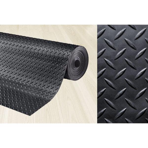 Рулонное резиновое покрытие 3мм, 1.5 м, длина 10 м, ёлочка
