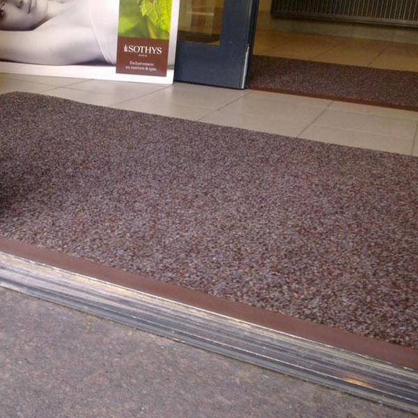 Грязезащитный ворсовый коврик Цикада черный