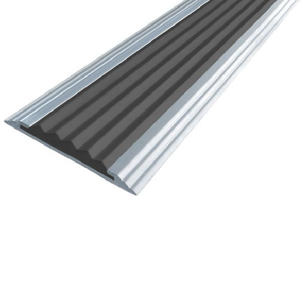 Противоскользящая алюминиевая самоклеющаяся полоса Стандарт 40 мм 2,7 м черный