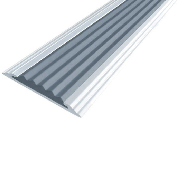 Противоскользящая алюминиевая самоклеющаяся полоса Стандарт 40 мм 2,7 м серый