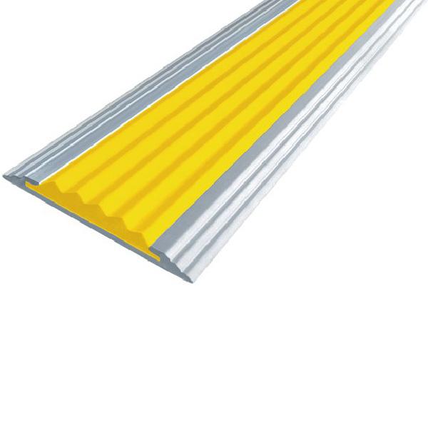 Противоскользящая алюминиевая самоклеющаяся полоса Стандарт 40 мм 2,7 м желтый