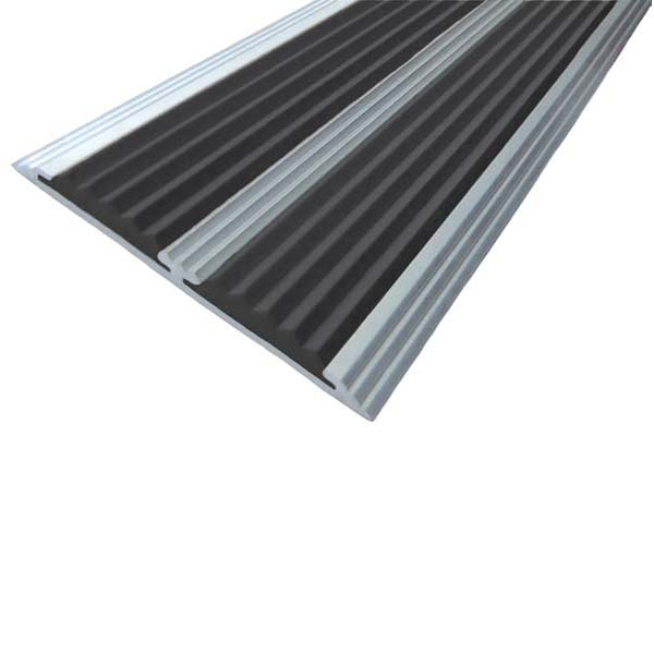 Противоскользящая алюминиевая самоклеющаяся полоса с двумя вставками 70 мм/5,5 мм 3,0 м черный