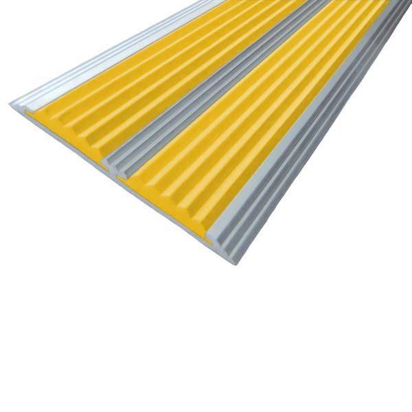 Противоскользящая алюминиевая самоклеющаяся полоса с двумя вставками 70 мм/5,5 мм 2,0 м желтый