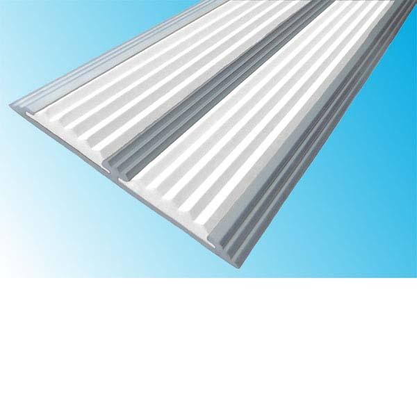 Противоскользящая алюминиевая самоклеющаяся полоса с двумя вставками 70 мм/5,5 мм 2,0 м белый