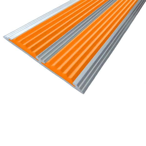 Противоскользящая алюминиевая самоклеющаяся полоса с двумя вставками 70 мм/5,5 мм 1,33 м оранжевый