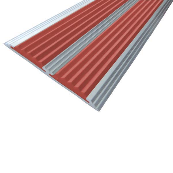 Противоскользящая алюминиевая самоклеющаяся полоса с двумя вставками 70 мм/5,5 мм 1,33 м красный