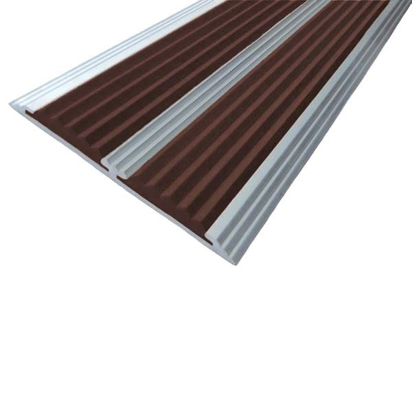 Противоскользящая алюминиевая полоса с двумя вставками 70 мм/5,5 мм 3,0 м темно-коричневый