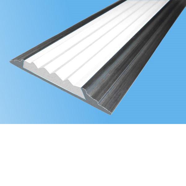Противоскользящая алюминиевая самоклеющаяся накладная полоса 46 мм/5 мм 3,0 м белый