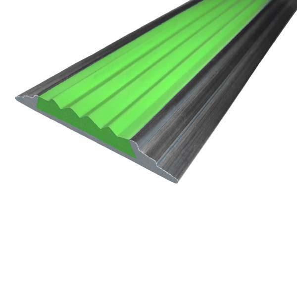Противоскользящая алюминиевая самоклеющаяся накладная полоса 46 мм/5 мм 1,33 м зеленый