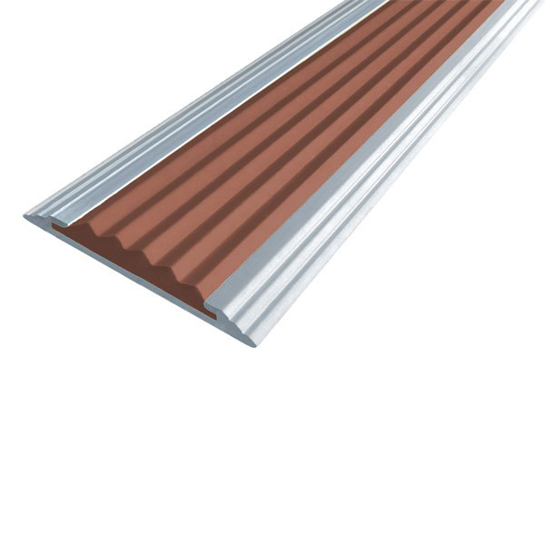 Противоскользящая алюминиевая полоса Стандарт 2,7 м 40 мм/5,6 мм коричневый