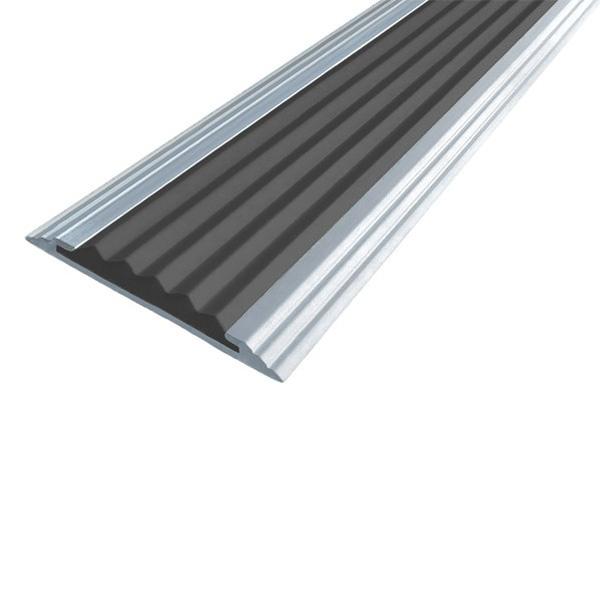 Противоскользящая алюминиевая полоса Стандарт 1,33  м 40 мм/5,6 мм черный