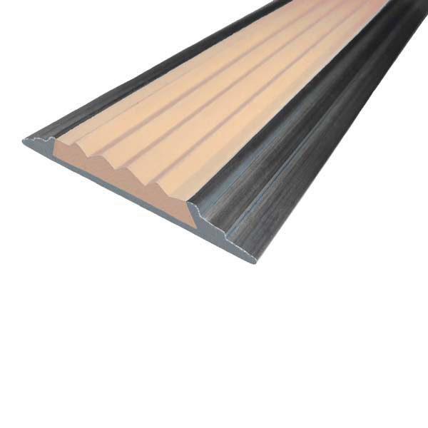 Противоскользящая алюминиевая накладная полоса 46 мм/5 мм 3,0 м бежевый