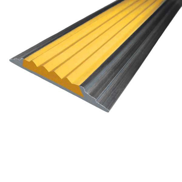 Противоскользящая алюминиевая накладная полоса 46 мм/5 мм 1,33 м желтый
