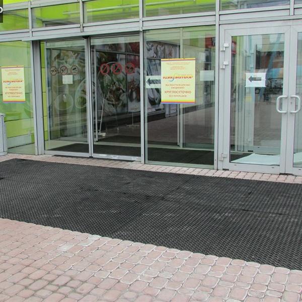 Грезезащитный резиновый коврик Гамми 1500×1000х22 мм черный