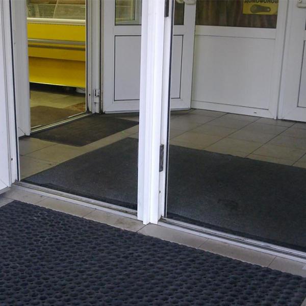 Грезезащитный резиновый коврик Компос 1500×1000х16 мм черный