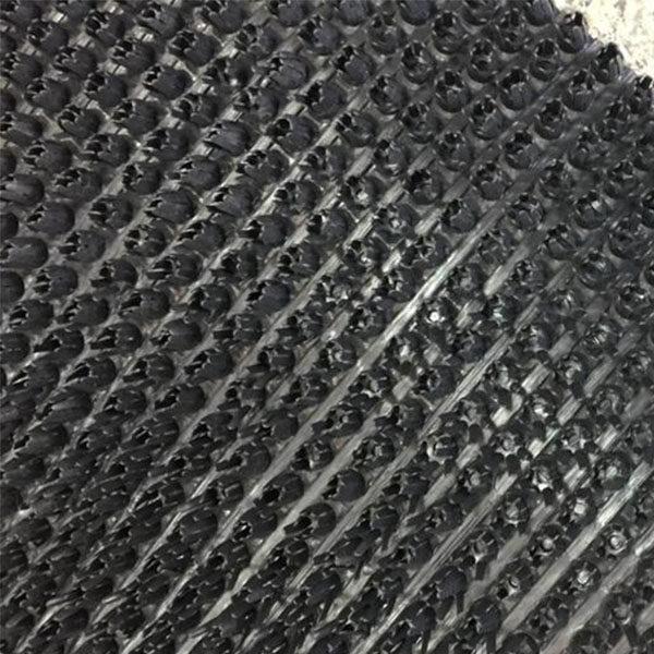 Щетинистое покрытие Газон 15000х900х16 черный